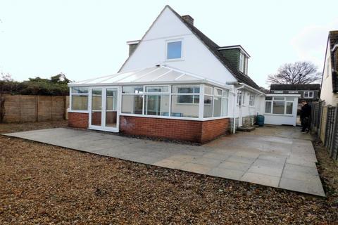 3 bedroom detached house to rent - Woodlands Avenue, Poole, Dorset, BH15