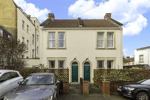 2 bedroom semi-detached house for sale - Albert Park Place, Montpelier, Bristol, BS6