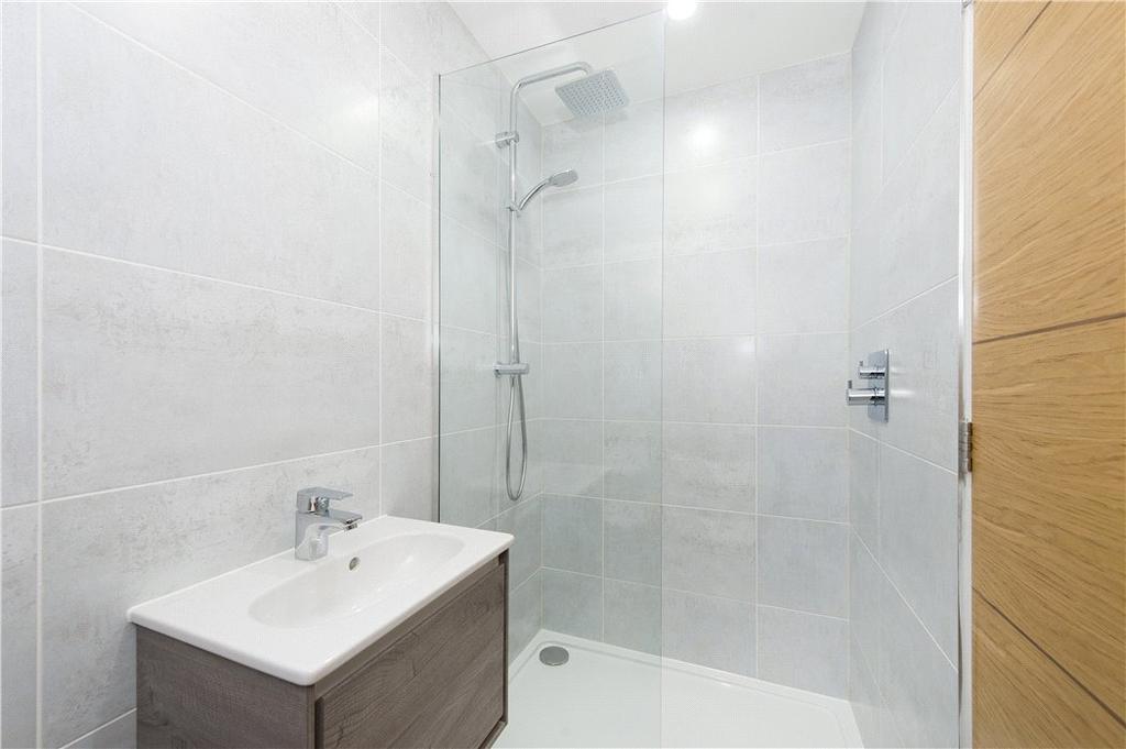 4 Bath/Shower Rooms