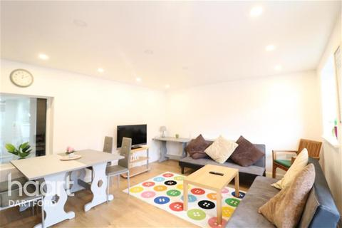 1 bedroom flat to rent - Sutton At Hone