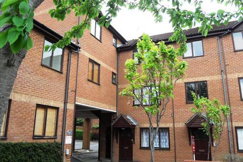 2 bedroom apartment to rent - Newport Road, Aldershot