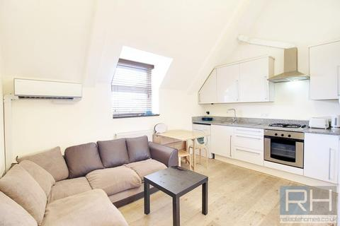 2 bedroom apartment to rent - High Street, London, N8