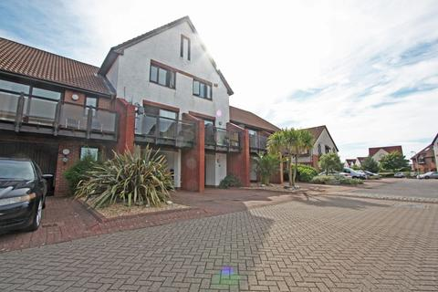 3 bedroom terraced house to rent - Cadgwith Place, Port Solent
