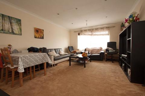 2 bedroom flat to rent - High Road, New Southgate, N11