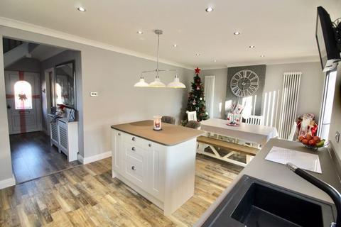 3 bedroom semi-detached house for sale - Bampton Road Llanrumney Cardiff CF3 5SE