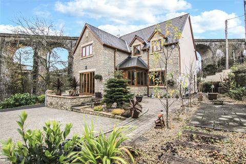 4 bedroom detached house for sale - Taff Fawr Close, Cefn Coed, Merthyr Tydfil, Mid Glamorgan, CF48