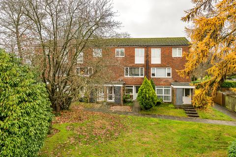 2 bedroom flat for sale - Sheldon Close, Reigate, Surrey, RH2
