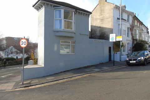 6 bedroom house to rent - Shaftesbury Road, Brighton,