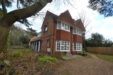 2 bedroom flat to rent - 31 Meyrick Park Crescent, Bournemouth, Dorset