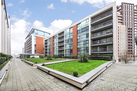 2 bedroom flat to rent - Baltic Apartments, 11 Western Gateway, London, E16