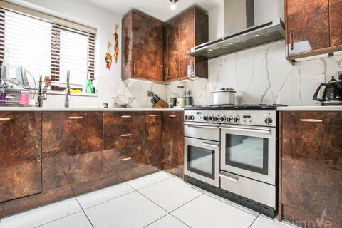 4 bedroom house to rent - Colham Mill Road , West Drayton , Middlesex