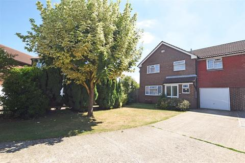 4 bedroom link detached house for sale - Corral Close, Chatham