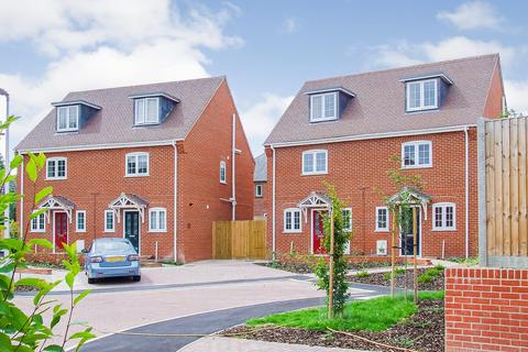 3 bedroom semi-detached house to rent - Bodman Close, Lambourn, Hungerford, RG17