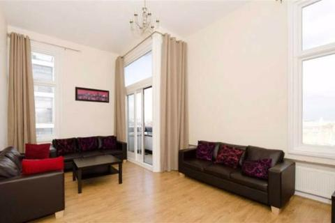 2 bedroom apartment to rent - The Water Gardens, London