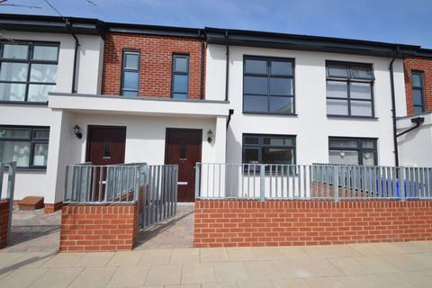 3 bedroom house to rent - Blue Moon Way, Manchester