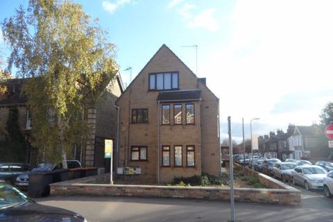 1 bedroom flat to rent - Goldington Road - Ref: P7839