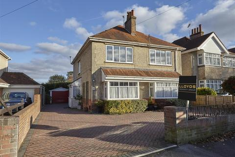 2 bedroom flat for sale - St. Osmunds Road, Lower Parkstone, Poole
