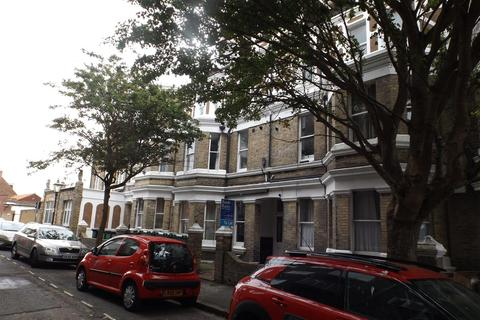 1 bedroom flat to rent - The Parade, Folkestone