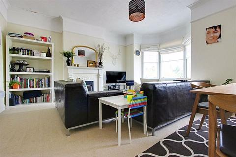2 bedroom flat to rent - Hoppers Road, Winchmore Hill