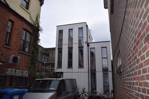 Studio to rent - York Hill, Brighton, BN1 4JX.