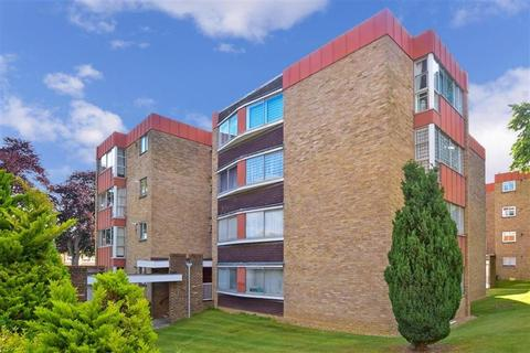 2 bedroom apartment to rent - White Lodge Close Sutton SM2
