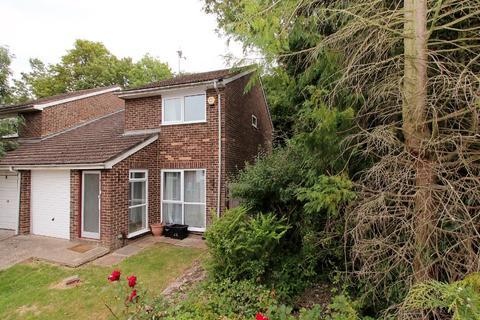 3 bedroom semi-detached house to rent - Mitford Close, , Reading, RG2 8JQ