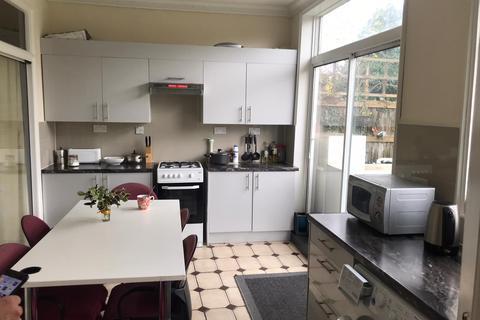 3 bedroom house to rent - Broomhill Road, Goodmayes, IG3
