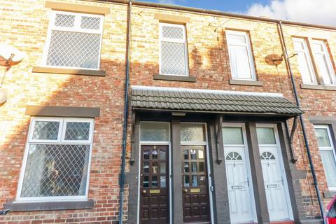 2 bedroom flat to rent - St. James Terrace, North Shields, Tyne and Wear, NE29 6HZ
