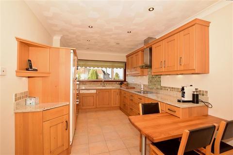 4 bedroom detached bungalow for sale - Telegraph Hill, Higham, Rochester, Kent
