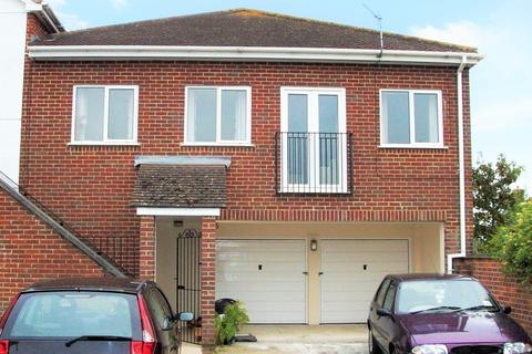 2 bedroom apartment for sale - Highcliffe, Dorset