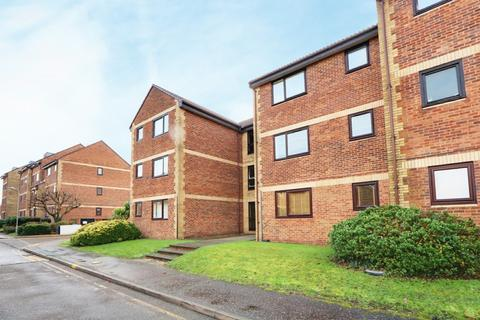 1 bedroom flat for sale - Priory Court, Roots Hall Drive