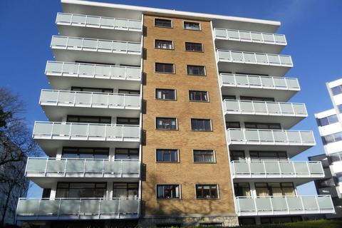 3 bedroom apartment to rent - Bath Road, Bournemouth