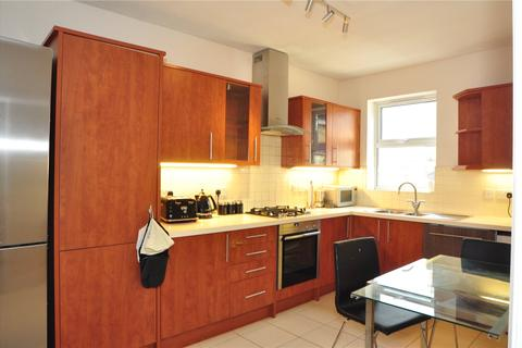 3 bedroom flat to rent - Old Forge Road, Enfield, EN1