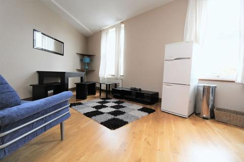 2 bedroom apartment to rent - High Road, Wood Green, N22
