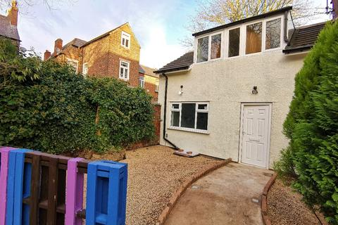 3 bedroom bungalow to rent - Osborne Road, Levenshulme, M19