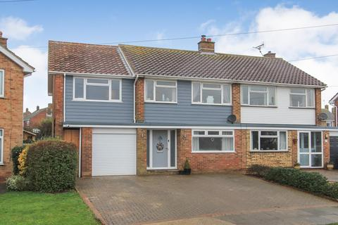 4 bedroom semi-detached house for sale - Meadow Walk, Whitstable