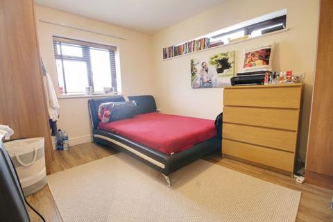 2 bedroom semi-detached house to rent - BRIMSDOWN AVENUE, Enfield