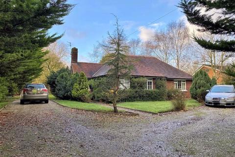 4 bedroom detached bungalow for sale - Lodge Lane, Lytham