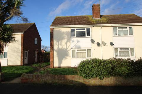 Studio to rent - North Road, Great Clacton