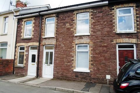 3 bedroom terraced house to rent - Station Road, Risca, Newport. NP11