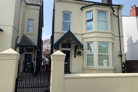 2 bedroom house share to rent - Queens Drive, Liverpool, Merseyside, L15