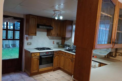 3 bedroom terraced house to rent - Bedfont, TW14