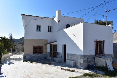 4 bedroom villa - Cortijo Laureano, Olula Del Rio, Almeria