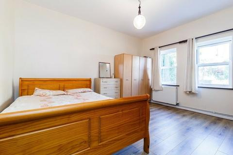 1 bedroom flat to rent - 51 Paget Rise, London, SE18