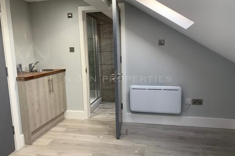 6 bedroom house share to rent - Crowborough Road, Tooting, SW17