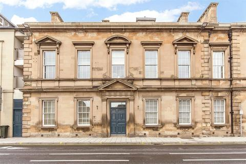 2 bedroom flat to rent - Flat F, Fiscals House, 3 South Street, Perth, PH2