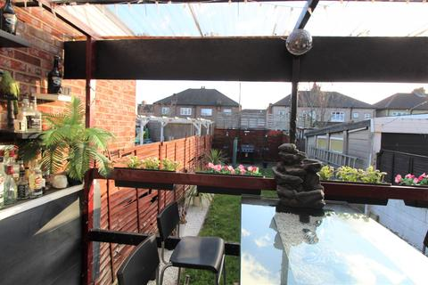 3 bedroom terraced house to rent - Foxlands Road Dagenham,  Dagenham, RM10
