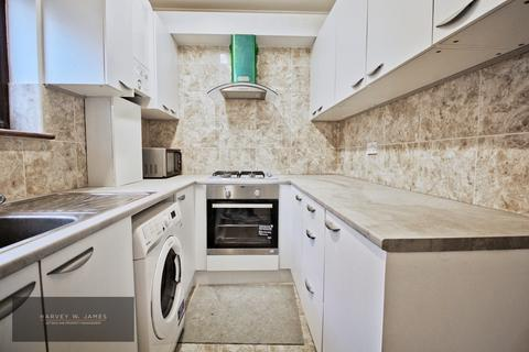 2 bedroom flat to rent - Becmead Avenue, SW16