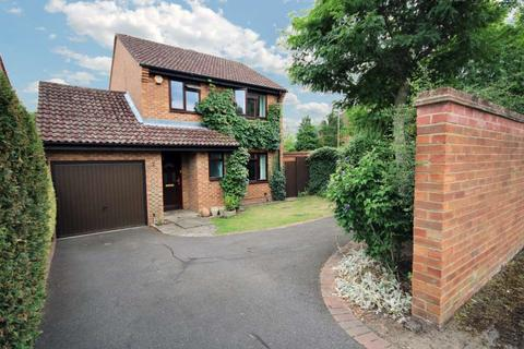 3 bedroom detached house to rent - Cheviot Drive, Fleet