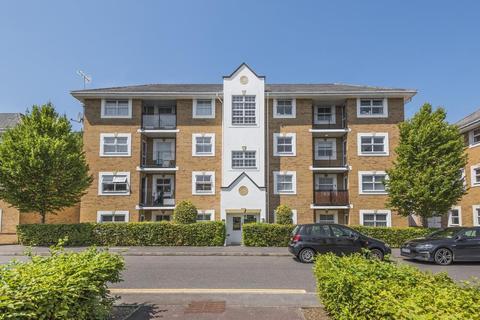 2 bedroom flat for sale - International Way, Sunbury-On-Thames, TW16